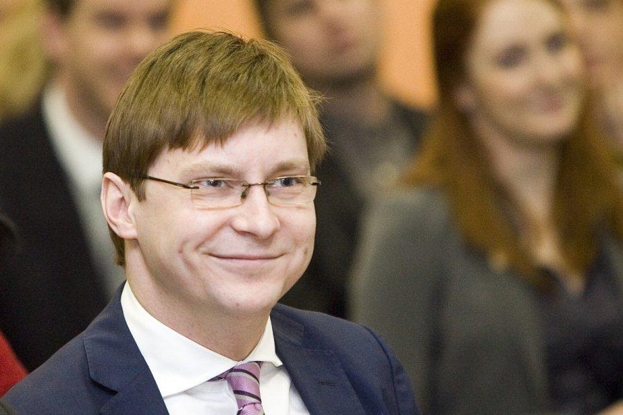 Сотрудники СБУ отобрали паспорт у бывшего министра здравоохранения Крыма