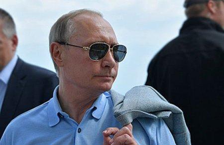 Эхо «прямой линии»: Путин отправится в «ижевский барак»