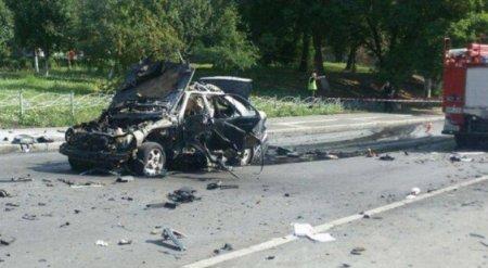 «Машину разнесло полностью»: последствия мощного взрыва в Киеве